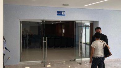 Photo of Miguel Márquez no quiere placas con su nombre