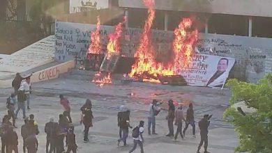 Photo of 'Normalistas' atacan el gobierno de Chiapas