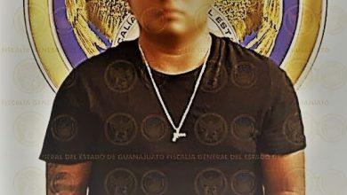 Photo of Pedro: el policía de la pistola colgada al cuello