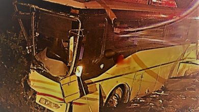 Photo of Tráiler arrolla a un camión con turistas de Guanajuato